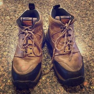 Ariat- Water resistance hiking boots. Size 7